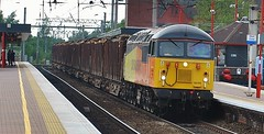 56105 at Wigan North Western (Aaron 56125) Tags: manchester grid north rail class western british greater 56 wigan colas 56105