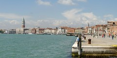 Promenade (Peter Bamert) Tags: trip travel venice italy water landscape photo nikon d80