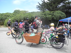 how sf families roll. (citymaus) Tags: sf sanfrancisco sunset highway great july walksf cargobike 2013 sfbike openstreets metrofiets sundaystreets