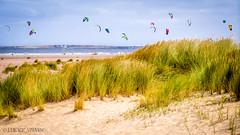 Kitesurfing in Zeeland (lucky_s7evin) Tags: sea summer sky sun kite netherlands meer wind sommer dune zeeland kitesurfing kites dne niederlande domburg