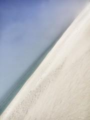 Diagonal Abstract I (Ramy.) Tags: ocean españa mer lake abstract beach water fog lago four cuatro lumix spain sand eau sable lac diagonal panasonic galicia micro abstracto espagne niebla brouillard thirds diagonale abstracte g10 tercios lumixg45200mmf456