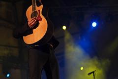 Elliott Murphy Band (Vicnaba) Tags: barcelona street music rock night 50mm noche calle xpro fuji guitar availablelight f14 guitarra fujifilm mf música manualfocus cy carrer elliott murphy nit elliottmurphy avingudadelacatedral kipon xpro1 yashicaml elliottmurphyband fujixpro1 fujifilmxpro1 cyfxadapter mercè2013