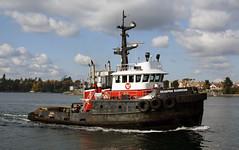 Seaspan Guardian ~ Victoria Harbour (Chris City) Tags: harbour victoria fishermanswharf tugboat tug barge seaspan