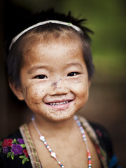 Hmong girl - Laos (Steven Goethals) Tags: travel portrait people girl eos asia child hill culture peoples explore human asie tribe laos ethnic minority lao hmong nam visage indochine indochina ethnology ethnique goethals stevengoethals