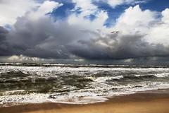 north sea (chris_freiburg) Tags: sea beach clouds strand sand waves seagull gull wolken northsea mwe sylt nordsee wellen sandstrand nordfriesland northfrisia