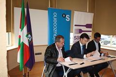 Acto de Firma de Acuerdo con el Banco Sabadel-Guipuzcoano (santurtzi gastronomika) Tags: bizkaia basque euskadi basquecountry paisvasco santurtzi santurtzigastronomika comerciosunidos