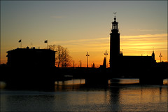 Sunset silhouettes (*Kicki*) Tags: city sunset architecture 50mm cityscape sweden stockholm cityhall silhouettes explore stadshuset strömsborg flickrexplore explored stockholmcityhall ragnaröstberg stockholmimitthjärta