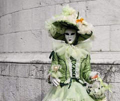 L'arrivée du printemps ( the coming of Spring) (Larch) Tags: carnival woman green hat wall march costume spring mask femme vert chapeau carnaval mur printemps 20th arrivée masque autofocus thegalaxy march20th 20mars carnavalvénitiendannecy carnavaldannecy mygearandme ringexcellence venetiancanivalinannecy rememberthatmomentlevel1 infinitexposure