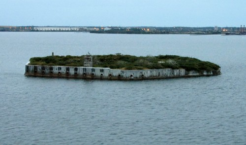 Fort Carroll  - Fort and Lighthouse