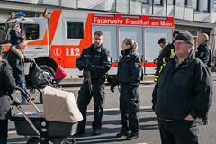 Frankfurter Fastnachtszug 2017 (Markus Machner) Tags: frankfurter fastnachtszug 2017 karneval fasching polizei absperrung