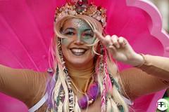 The Smiling Mermaid (Frankhuizen Photography) Tags: mermaid weert netherlands 2017 steet straat portret portrait candid smile glimlach girl woman vrouw carnaval carnival vastenavond vastelaovond fotografie photography rogstaekers grote limburg groeëte zeemeermin