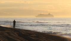 Seeing the ship (vic_206) Tags: transatlantico barco ship beach amanecer viladecans silueta