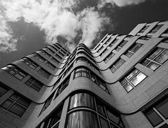 The Shell House, Berlin (jussitoivanen) Tags: architecture arkkitehtuuri arkitektur design building berlin germany travel monochrome monochromatic blackwhite blackwhitephotos blackandwhite blancnoir bw noiretblanc deutschland modernism