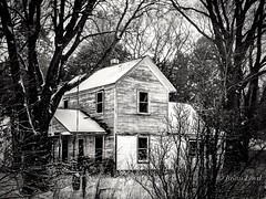 Once Upon a Time (Justin Loyd Photography) Tags: bnw blankandwhite blackwhite old rural abandoned snow trees iowa canon 70d eos 18135stm farm country winter cold january photography photo flickr fun white framed centered