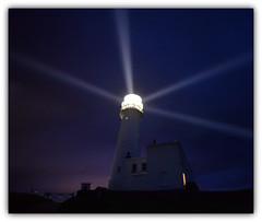 Flamborough Head lighthouse (PentlandPirate of the North) Tags: flamboroughheadlighthouse flashes light yorkshire england night beam