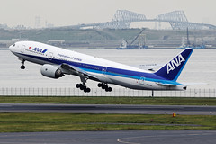 All Nippon Airways [NH][ANA] / JA703A / 777-281 / RJTT (starger64) Tags: canoneos1dmrakiv ef7020028isiil eftc14xiii rjtt hnd hanedaairport 羽田機場 東京国際空港 allnipponairways ana 全日空 全日本空輸 ja703a boeing777281 boeing 777 777200 772 aviation airplane aircraft arlines