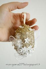 OvetteShabby_15w (Morgana209) Tags: ovetti uova decorazione shabby easter pasqua riciclo cartadapacco sacchettodelpane fiorellini perline fattoamano handmade diy creatività riciclocreativo recupero