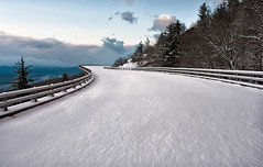 Winter Horizon (R. Keith Clontz) Tags: wintermorning linncoveviaduct windingroad cold blueridgeparkway snowcoveredroad rkeithclontz northcarolina