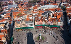 Markt Square, Bruges from the Belfry (Barry O Carroll Photography) Tags: belfry beffroi belltower markt citysquare marktsquare marktplaats brugge belgium belgique fromabove cityscape city urbanlandscape architecture flemish gables cafes high travel wideangle panorama