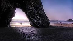 Une porte pour la mer. (C G G) Tags: sea nature light sun sunset beach picture photo photography sand water