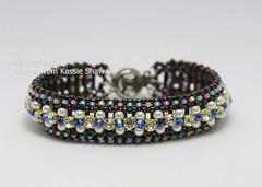 Crystal Cupchain Inclusion (BeeJang - Piratchada) Tags: beadweaving beadwork beading beaded bracelet bronze dark pearl swarovski crystal blue brown miyuki jewelry handmade cupchain