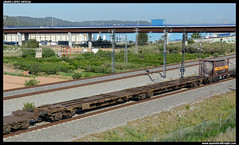 Sggmrss/- de CEMAT (javier-lopez) Tags: ffcc railway train tren trenes adif mercancías vagón plataforma portacontenedores contenedor contenedores cajasmóviles cajamóvil sggmrss cemat elpapiol 20042017