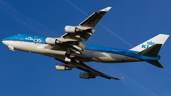 KLM 95 Years 747. (spencer.wilmot) Tags: phbfh 747 747400 744 b744 b747 boeing ams eham amsterdam schiphol kl klm takeoff departure heavy longhaul widebody winglets blue bluesky specialcolours speciallivery specialmarkings 95years jet jetliner jumbo jumbojet belly flaps aviation plane civilaviation aircraft airplane airliner huge doubledecker quad queenoftheskies royaldutchairlines holland netherlands