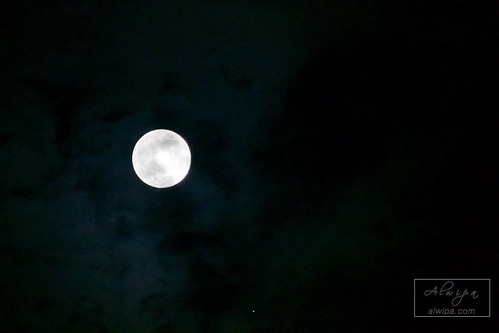 """Moon and Jupiter • <a style=""""font-size:0.8em;"""" href=""""http://www.flickr.com/photos/104879414@N07/33852109241/"""" target=""""_blank"""">View on Flickr</a>"""