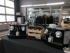 """#HummerCatering #Event #Catering #Service hier beim #Unternehmerfrühstück in #Pulheim. Wo wir eigens für das #Event ein ganzes #Cafe mit #Backstation, #Kaffee #Catering mit unserer #Siebträger #Kaffeemaschine und 2 Nespresso #Pro #Vollautomaten, #Softgetr • <a style=""""font-size:0.8em;"""" href=""""http://www.flickr.com/photos/69233503@N08/33883296310/"""" target=""""_blank"""">View on Flickr</a>"""