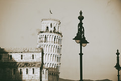 Right?Wrong? (lorenzo.gullotta) Tags: torre pisa light toscana architecture architettura old torrependente