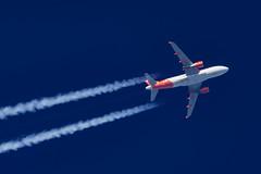 EasyJet Airbus A319-111 G-EZFJ (Thames Air) Tags: easyjet airbus a319111 gezfj contrails telescope dobsonian overhead vapour trail
