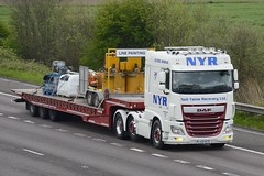 A20 NYR (panmanstan) Tags: daf xf wagon truck lorry commercial lowloader freight transport haulage vehicle m18 motorway langham yorkshire