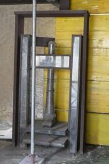 008 Lanarius Shop, Wooden Screw Press, Herculanium (tobeytravels) Tags: herculaneum lanarius shop press