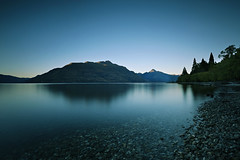 First Light at Lake Wakatipu (lfeng1014) Tags: firstlightatlakewakatipu firstlight lakewakatipu queenstown southisland newzealand otago calmmorning bluesky canon5dmarkiii ef1635mmf28liiusm longexposure leefilters landscape twilight serenity tranquil