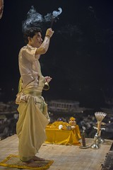 IND-372 Varanasi, Evening Aarti (FO Travel) Tags: india asia asien varanasi asie indien inde uttarpradesh