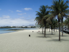 Arrecife dreamin (grapfapan) Tags: sky beach palms landscape seaside sand dream lanzarote canarias