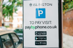 1 September, 17.48 (Ti.mo) Tags: uk england london iso100 icons symbol parking icon islington f28 apps ••• appstore ⅓ev ¹⁄₈₀₀secatf28 ef40mmf28stm appculture
