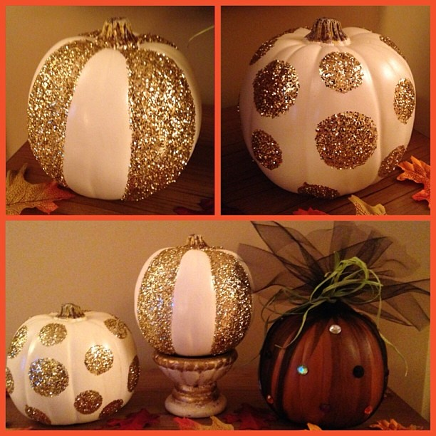 Glittered #pumpkins finished, joining jeweled #tulle pumpkin - Happy #Halloween! @michaelsstores @pinterest_crafts @plaidcrafts @ms_living #glitter #crafts