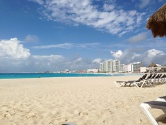 "Cancun Beach • <a style=""font-size:0.8em;"" href=""http://www.flickr.com/photos/36070478@N08/10255736326/"" target=""_blank"">View on Flickr</a>"