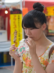 Snacking At Summer Festival (aeschylus18917) Tags: woman cute girl beautiful festival japan eating drinking straw  yakitori 70300mm sipping matsuri snacking     danielruyle aeschylus18917 danruyle druyle