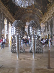 "paris 072 <a style=""margin-left:10px; font-size:0.8em;"" href=""http://www.flickr.com/photos/104703188@N06/13116655203/"" target=""_blank"">@flickr</a>"