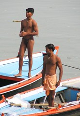 india2008 (gerben more) Tags: shirtless india muscles boat varanasi youngman benares youngmen langot
