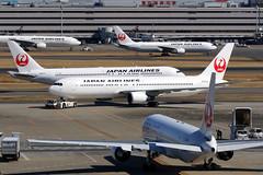 Japan Airlines   Boeing 767s   Tokyo Haneda (Dennis HKG) Tags: japanairlines jal jl boeing 767 767300 767300er boeing767 boeing767300 boeing767300er aircraft airplane airport plane planespotting tokyo haneda rjtt hnd oneworld canon 7d 100400