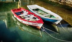 En pareja (candi...) Tags: barcas pesca puerto agua mar reflejos atraque cabos airelibre sonya77 remos