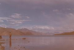 (rqlevy) Tags: nikon nikkormat ftn 35mm mydadscamera agfa expiredfilm analog pangongtso glaciallake ladakh india summer travel explore nature mountains landscape adventure