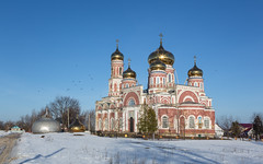 The Church of the Ascension in the morning light (Oleg.A) Tags: spring landscape russia church nature outdoor rural villiage snow morning cathedral bell panorama dome byzantine orthodox sunrise architecture cross penzaregion winter spassk field catedral landscapes outdoors penzenskayaoblast ru