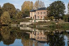 Reflets sur la Seine (Lucille-bs) Tags: europe france iledefrance yvelines bougival seine fleuve reflet eau maison architecture habitation arbre