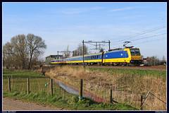 NSR 186 121+16508+186 033 (Tr. 1167), Kethel, 26-3-2017 (Allard Bezoen) Tags: kethel brug vakwerkbrug spoorbrug trein train zug bombardier 186 e186 121 033 ns nsr nederlandse spoorwegen reizigers lok elok elektrolok lokomotieve loc eloc locomotief locomotive 16508 1167 icr icrm intercity rijtuigen traxx