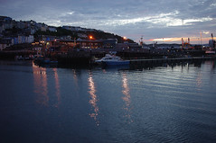 D13024.  Evening in Brixham. (Ron Fisher) Tags: brixham southdevon devon westcountry westofengland torbay england gb greatbritain uk unitedkingdom europe pentax pentaxkx coast devoncoast sea sunset water ocean sky cloud boats evening harbour