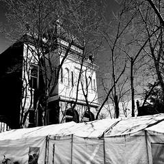 Avoir plus de place pour la création (woltarise) Tags: vaillancourt armand artiste sculpteur activiste artperformer montréal lesplanade rue